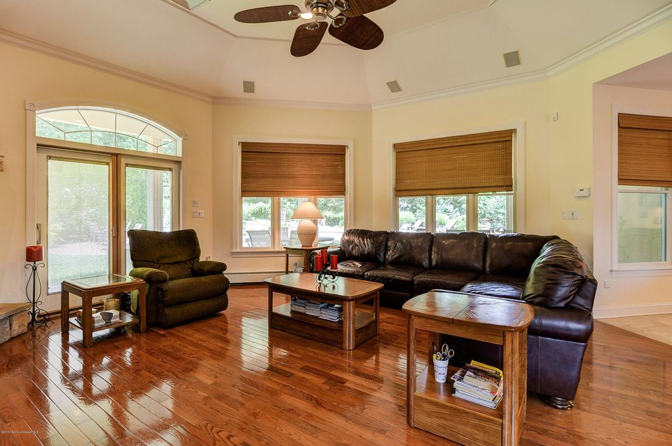 Additional photo for property listing at 15 Cranbury Brook Drive  Millstone, 新泽西州 08535 美国