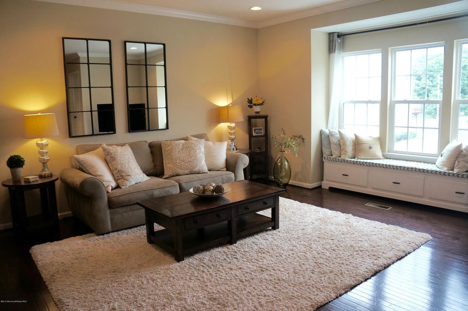 Additional photo for property listing at 21 Pate Drive  Middletown, New Jersey 07748 États-Unis
