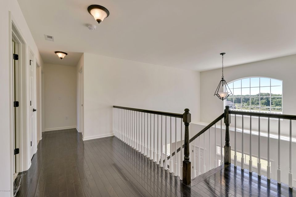 Additional photo for property listing at 1 Valley Court  Upper Freehold, Nueva Jersey 08501 Estados Unidos
