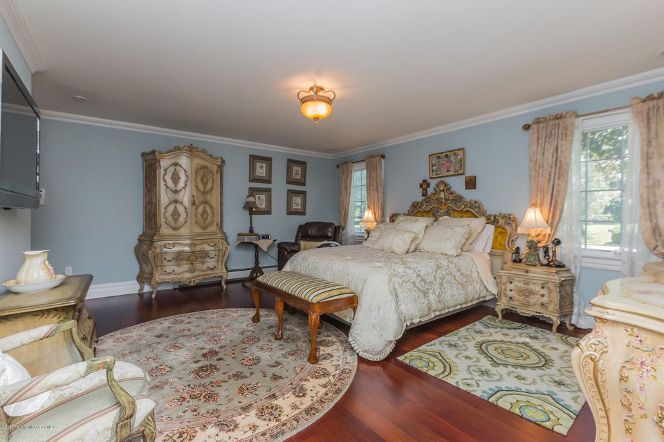 Additional photo for property listing at 35 Pine Drive  Little Silver, New Jersey 07739 États-Unis