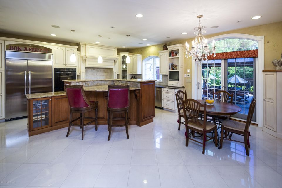 Additional photo for property listing at 5 Patriots Way  Middletown, New Jersey 07748 États-Unis