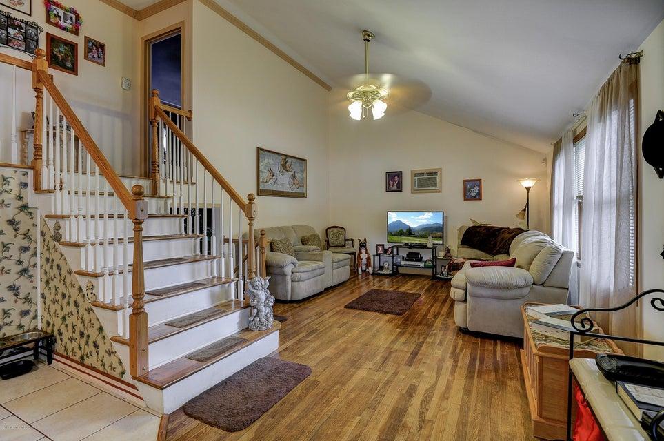 Maison unifamiliale pour l Vente à 23 Oak Ridge Parkway Toms River, New Jersey 08755 États-Unis