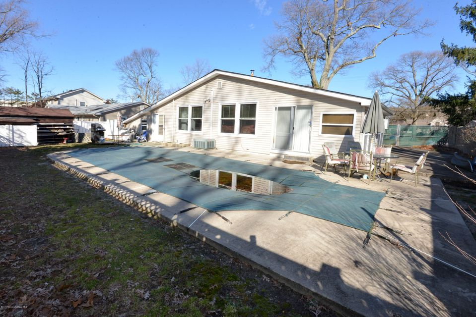 Additional photo for property listing at 540 Earl Court  Toms River, New Jersey 08753 États-Unis