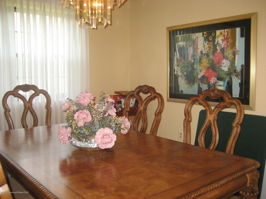 Additional photo for property listing at 20 Lakeview Drive  Marlboro, New Jersey 07746 United States