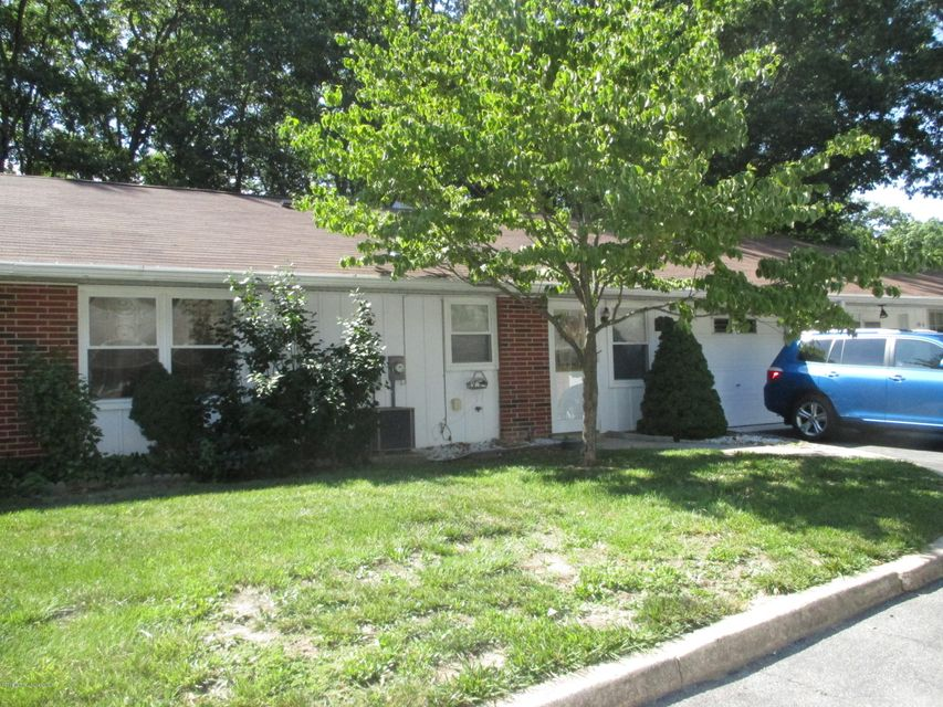 Additional photo for property listing at 121b Edinburgh Lane  Lakewood, New Jersey 08701 United States