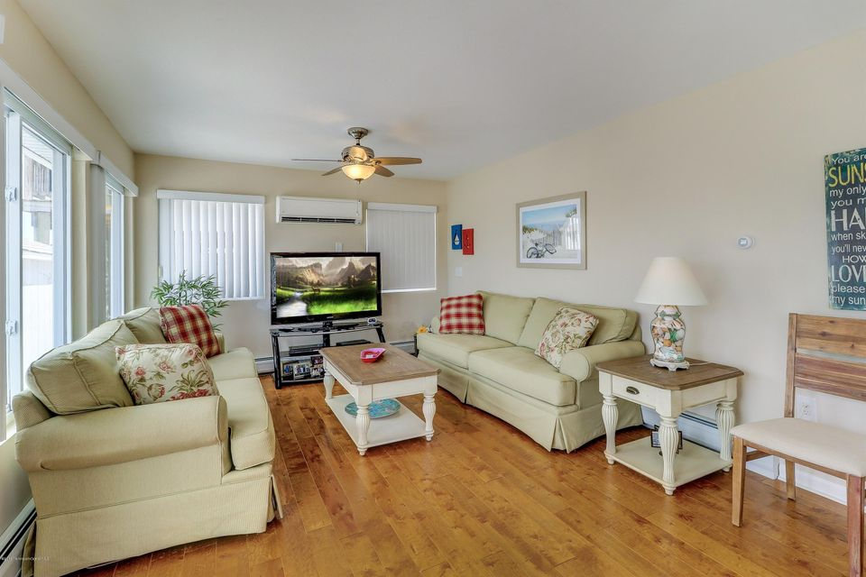 Additional photo for property listing at 1235 Walter Boulevard  Beach Haven West, 新泽西州 08050 美国