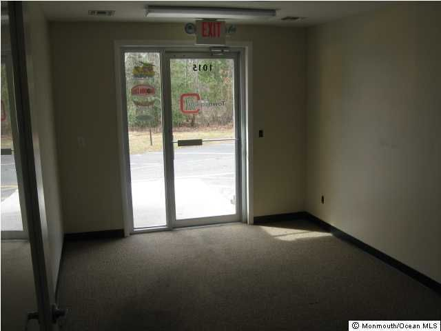 Additional photo for property listing at 1015 Atlantic City Boulevard  Bayville, New Jersey 08721 États-Unis