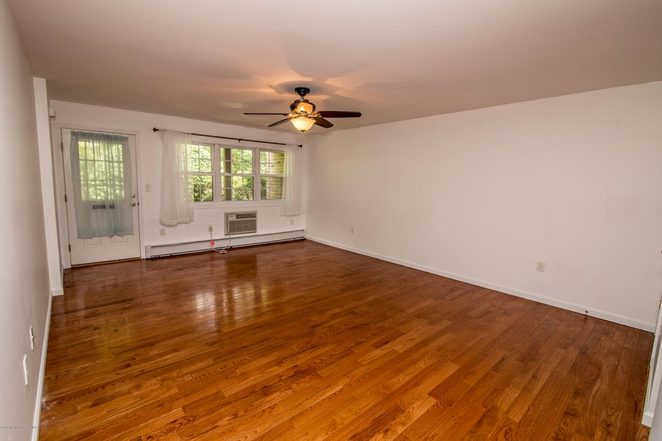 Additional photo for property listing at 363 Cranbury Road  East Brunswick, New Jersey 08816 United States