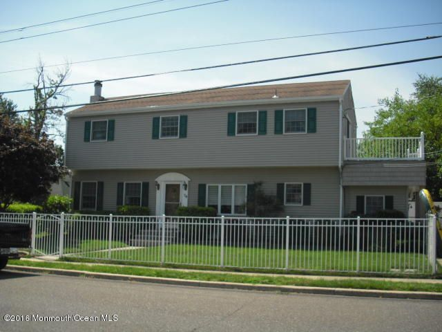 Single Family Home for Sale at 79 Morningside Avenue Keansburg, New Jersey 07734 United States