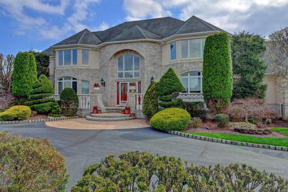 Single Family Home for Sale at 323 Mockingbird Lane Marlboro, New Jersey 07746 United States