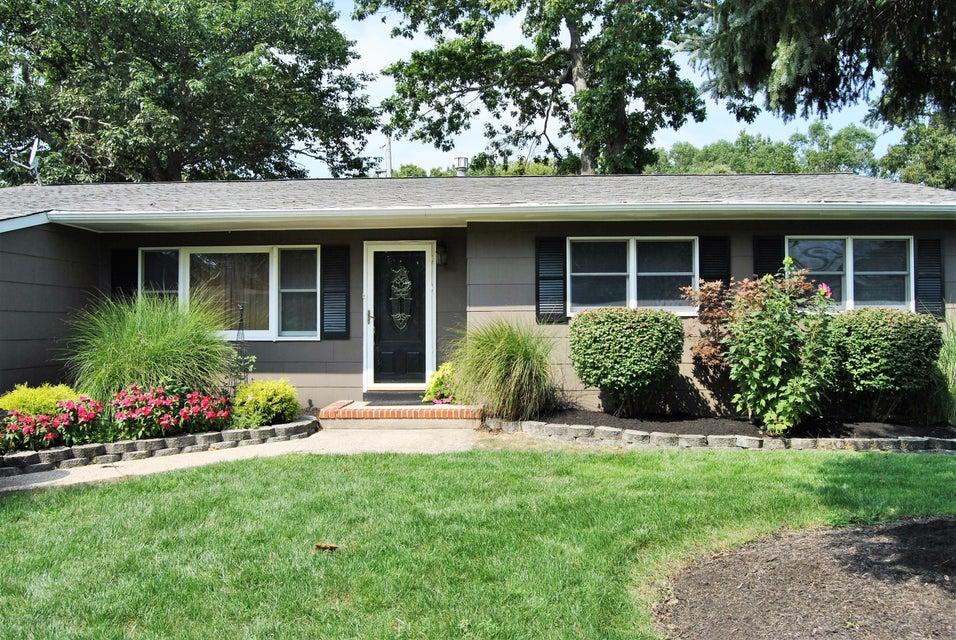 Maison unifamiliale pour l Vente à 1478 Lakewood Avenue Brick, New Jersey 08724 États-Unis