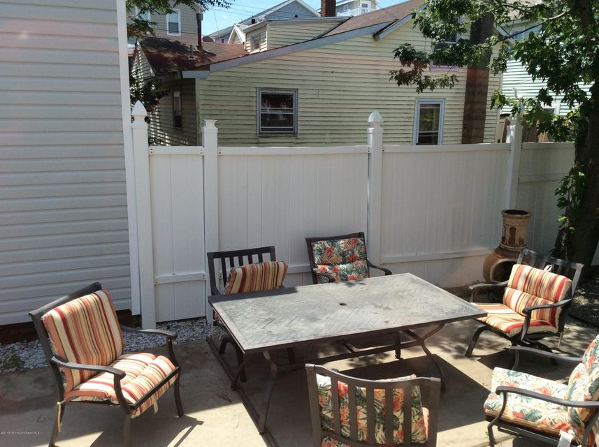 Additional photo for property listing at 8 Surf Street  Sea Bright, New Jersey 07760 États-Unis