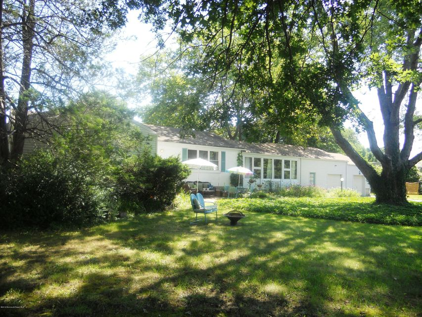 Additional photo for property listing at 221 Queens Drive  Little Silver, New Jersey 07739 United States
