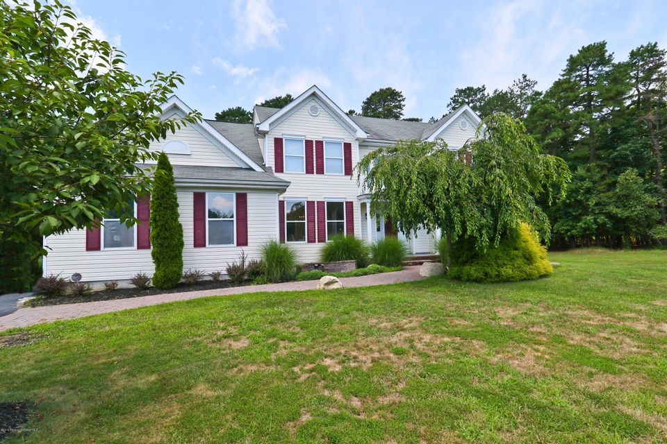 Additional photo for property listing at 102 Cardinal Drive  Jackson, New Jersey 08527 United States