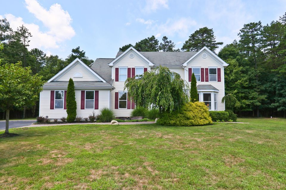 Single Family Home for Sale at 102 Cardinal Drive Jackson, New Jersey 08527 United States