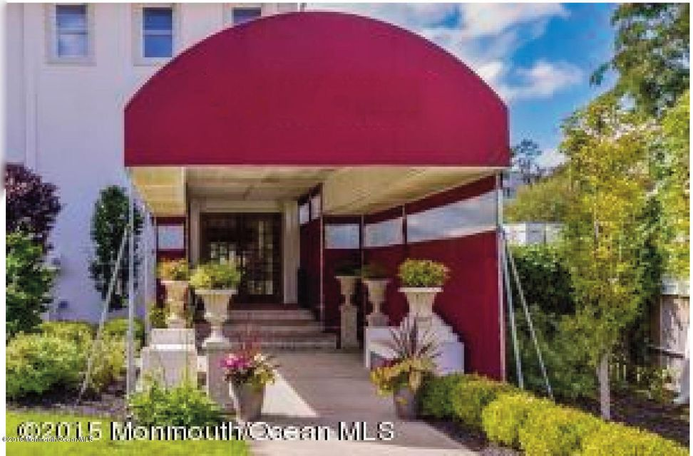 Commercial for Sale at 125 Bay Avenue Highlands, New Jersey 07732 United States