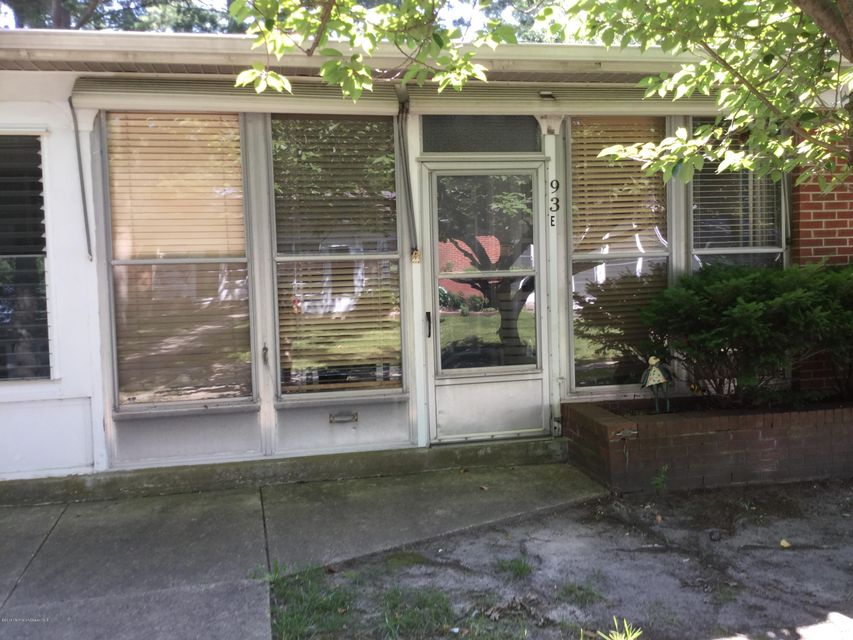 独户住宅 为 出租 在 93 Edinburgh Lane 莱克伍德, 新泽西州 08701 美国
