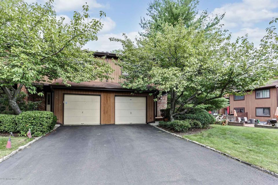 Additional photo for property listing at 48 Laurie Court  Matawan, New Jersey 07747 États-Unis
