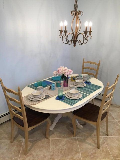 Additional photo for property listing at 556 Ocean Road  斯普林莱克海茨, 新泽西州 07762 美国