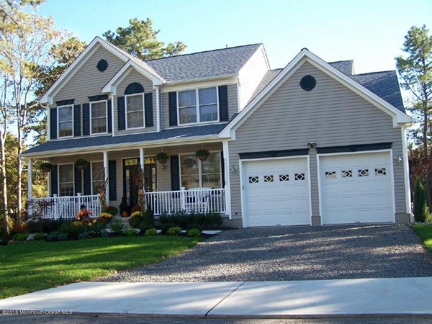 独户住宅 为 销售 在 3 Mackenzie Court Whiting, 08759 美国