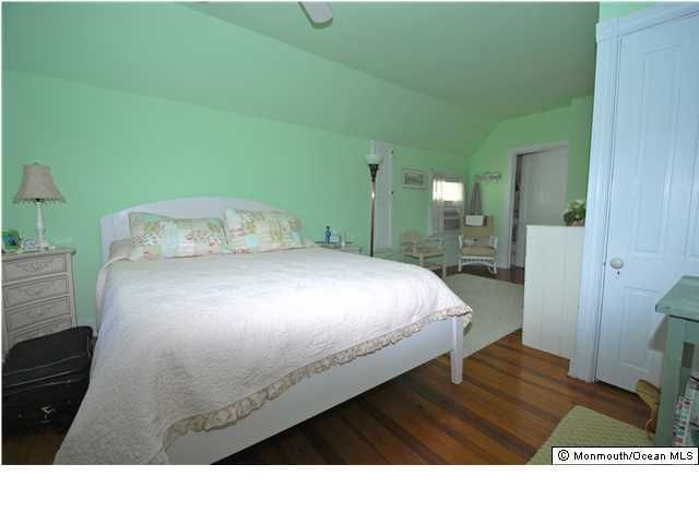 Additional photo for property listing at 95 Mount Hermon Way  Ocean Grove, New Jersey 07756 États-Unis
