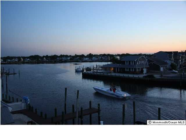 Additional photo for property listing at 119 Randall Avenue  Point Pleasant Beach, New Jersey 08742 États-Unis