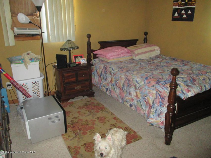 Additional photo for property listing at 406 Applegate Avenue  South Toms River, New Jersey 08757 États-Unis