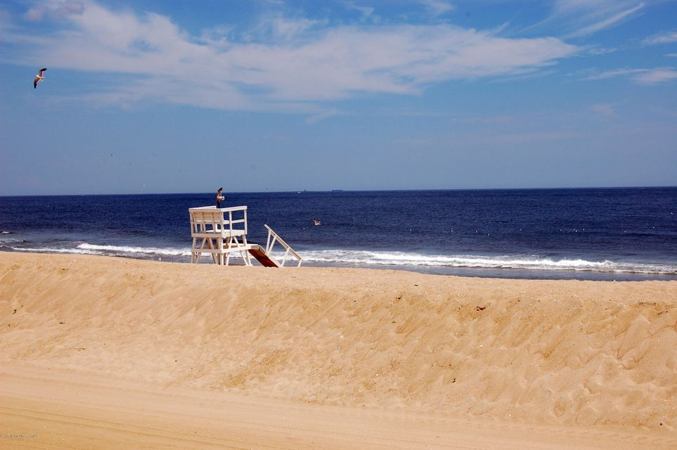 Additional photo for property listing at 212 Chicago Boulevard  Sea Girt, New Jersey 08750 États-Unis