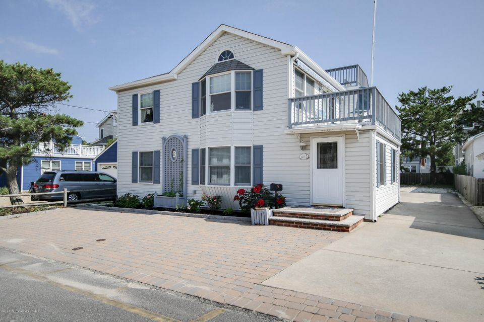 独户住宅 为 销售 在 201 14th Street 长滩乡, 08008 美国