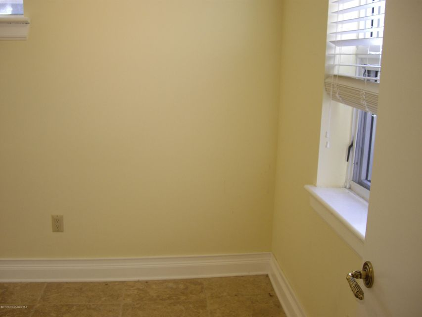 Additional photo for property listing at 82 Bethany Road  Hazlet, New Jersey 07730 États-Unis