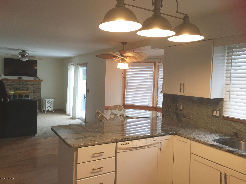 Additional photo for property listing at 158 Harriot Drive  Brick, Nueva Jersey 08724 Estados Unidos