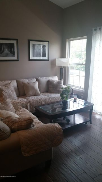 Additional photo for property listing at 2 Basset Court  Tinton Falls, New Jersey 07753 United States