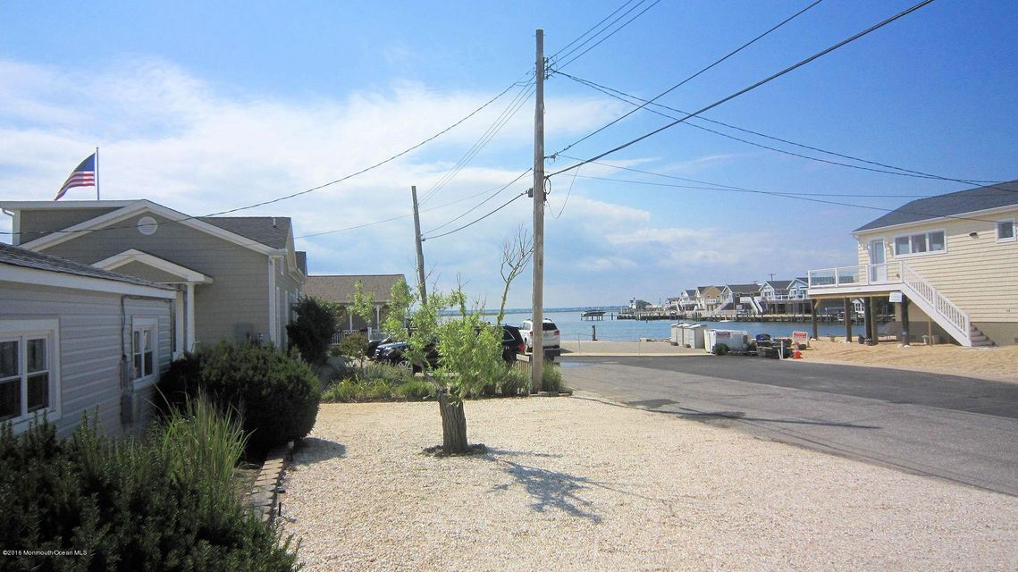Additional photo for property listing at 229 Sailfish Way  Lavallette, New Jersey 08735 États-Unis