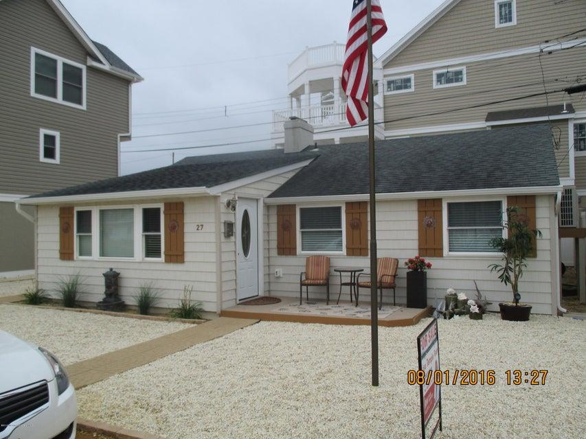Casa Unifamiliar por un Venta en 27 Beach Drive Ortley Beach, Nueva Jersey 08751 Estados Unidos