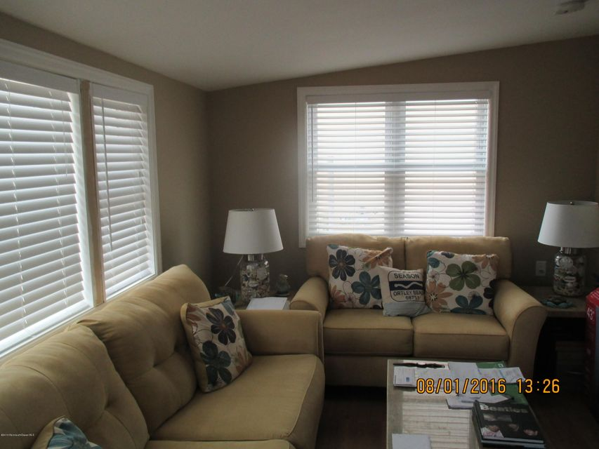 Additional photo for property listing at 27 Beach Drive  Ortley Beach, Nueva Jersey 08751 Estados Unidos
