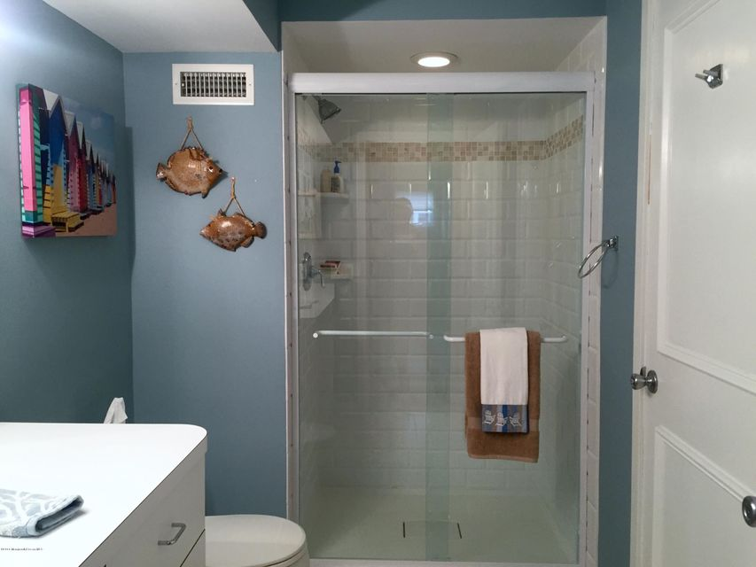 Additional photo for property listing at 217 9th Street  Surf City, 新泽西州 08008 美国