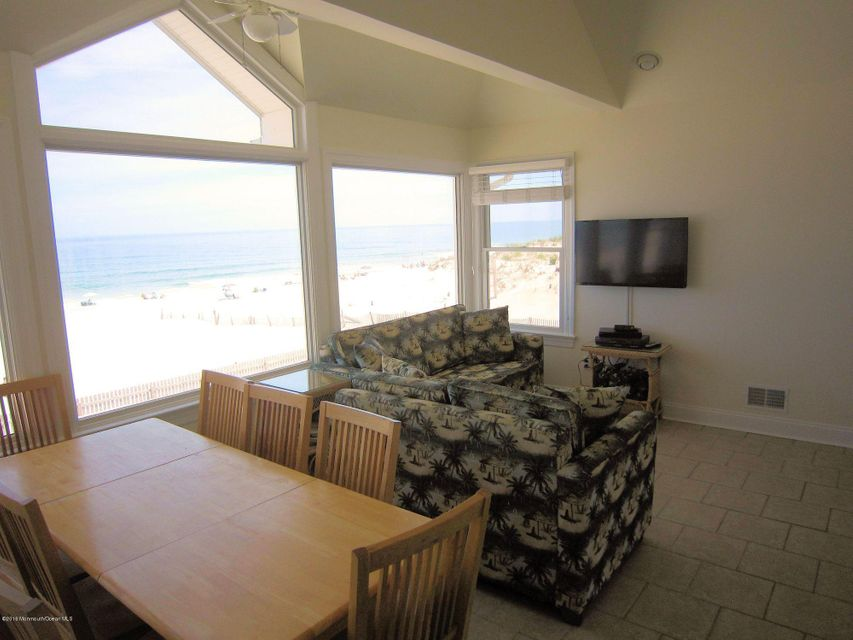 Additional photo for property listing at 3010 Ocean Road  Lavallette, Nueva Jersey 08735 Estados Unidos