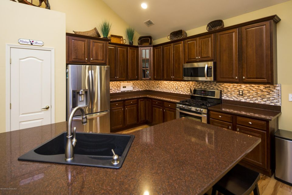 Additional photo for property listing at 3 Yates Road  Manalapan, Nueva Jersey 07726 Estados Unidos