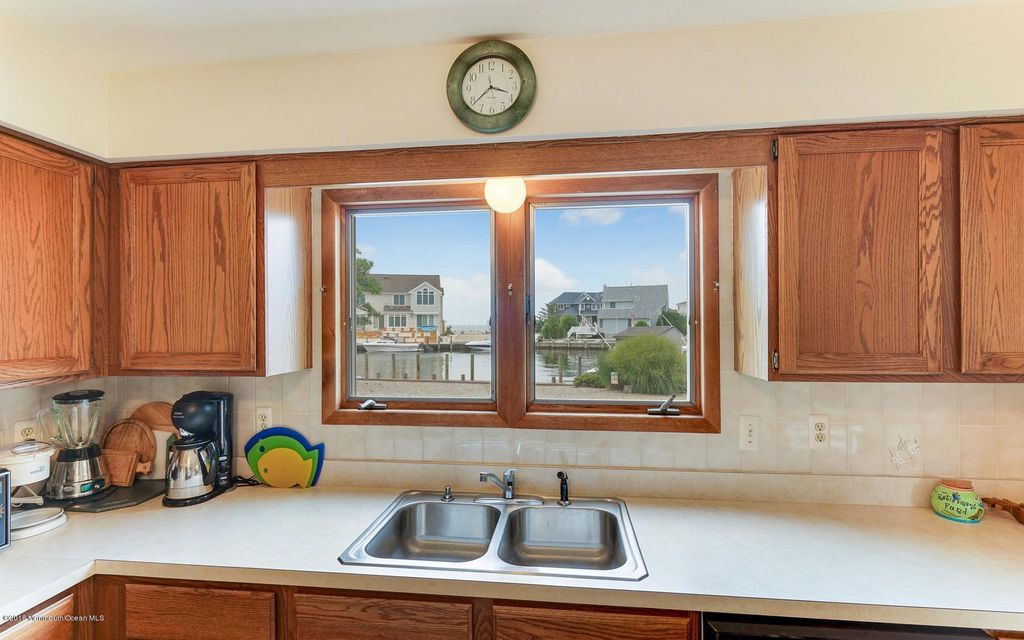 Additional photo for property listing at 131 Montclair Road  Barnegat, New Jersey 08005 États-Unis