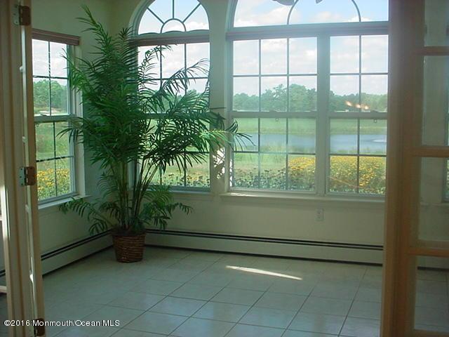 Casa Unifamiliar por un Venta en 145 Skyline Drive Lakewood, Nueva Jersey 08701 Estados Unidos