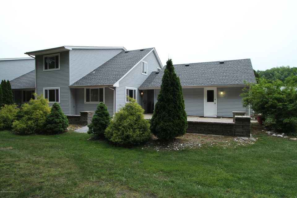 共管式独立产权公寓 为 销售 在 32 Kathy Court 布里克, 新泽西州 08724 美国