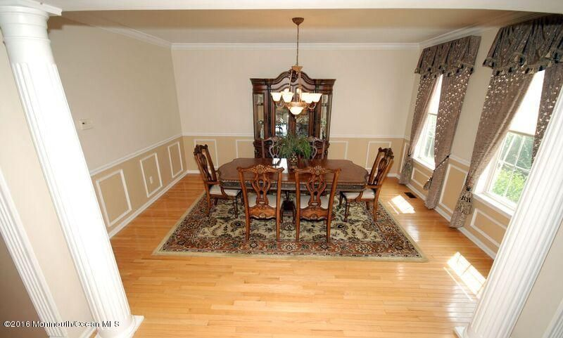 Additional photo for property listing at 10 Wagner Farm Lane  Millstone, Nueva Jersey 08535 Estados Unidos