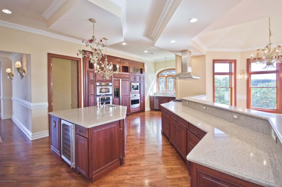 Additional photo for property listing at 37 Robbins Road  Millstone, New Jersey 08510 États-Unis