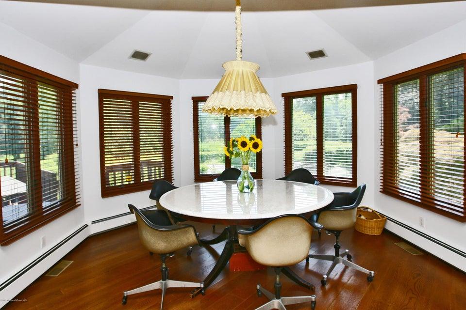 Additional photo for property listing at 84 Wickapecko Drive  Asbury Park, Nueva Jersey 07712 Estados Unidos