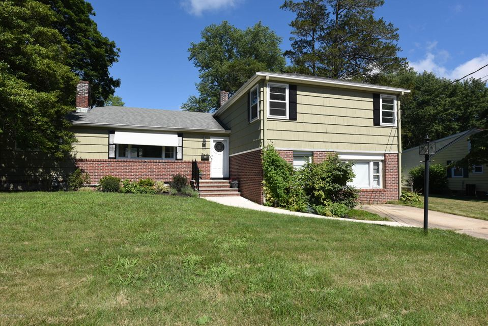 Additional photo for property listing at 36 Amelia Circle  Little Silver, New Jersey 07739 États-Unis