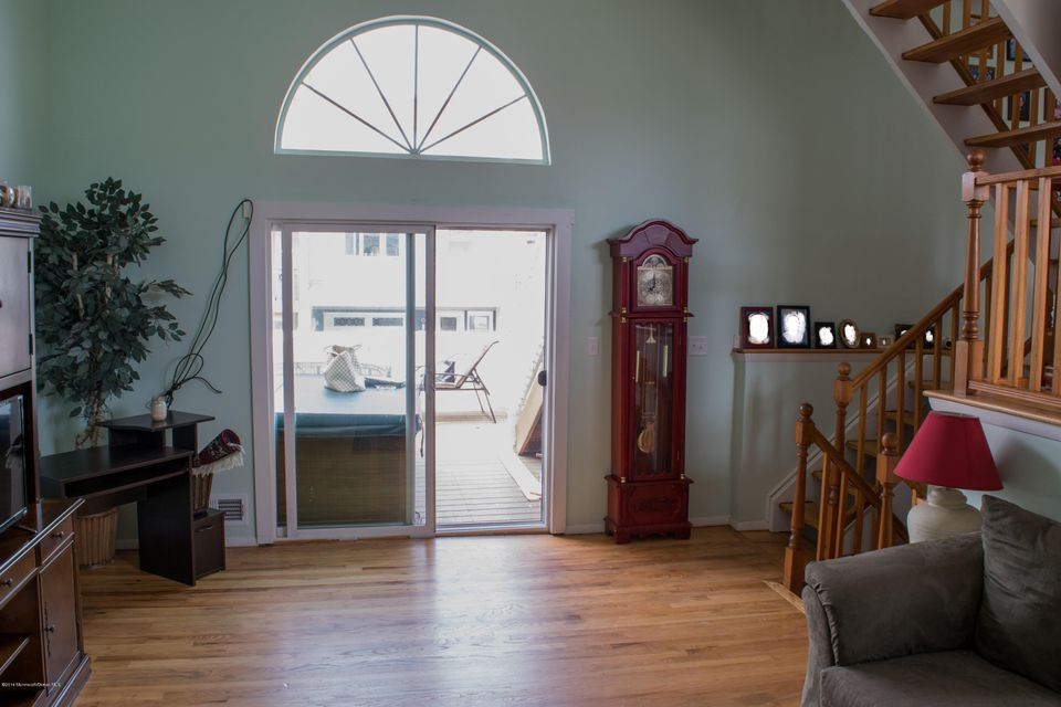 Additional photo for property listing at 46 Village Road  Sea Bright, New Jersey 07760 United States
