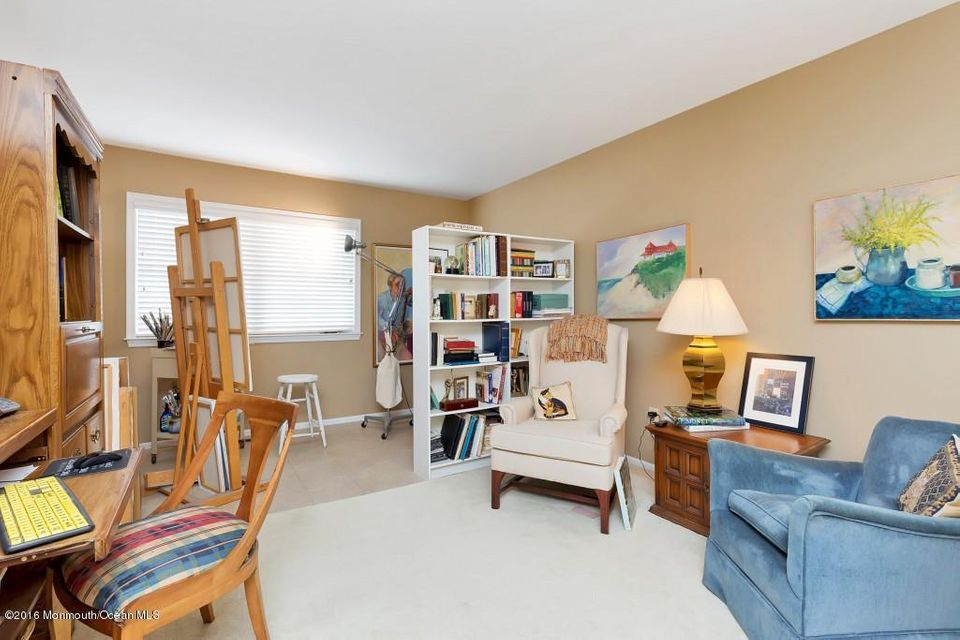 Additional photo for property listing at 24 Dogwood Drive 24 Dogwood Drive Spring Lake Heights, Nueva Jersey 07762 Estados Unidos