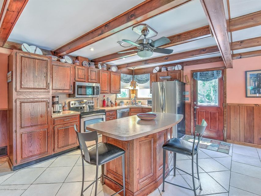 Additional photo for property listing at 84 Red Valley Road  Millstone, Nueva Jersey 08510 Estados Unidos