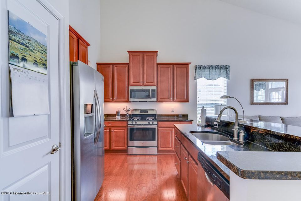 Additional photo for property listing at 1 La Quinta Lane  Lakewood, New Jersey 08701 United States