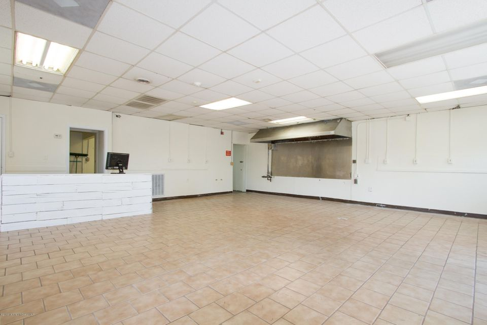 Additional photo for property listing at 275 Highway 36  Hazlet, New Jersey 07730 États-Unis